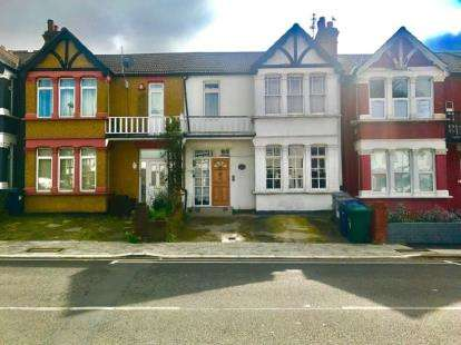4 Bedrooms Terraced House for sale in Manor Park Crescent, Edgware