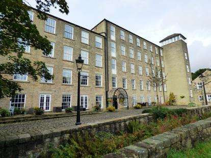 2 Bedrooms Flat for sale in Clough Mill, Slack Lane, Little Hayfield, High Peak