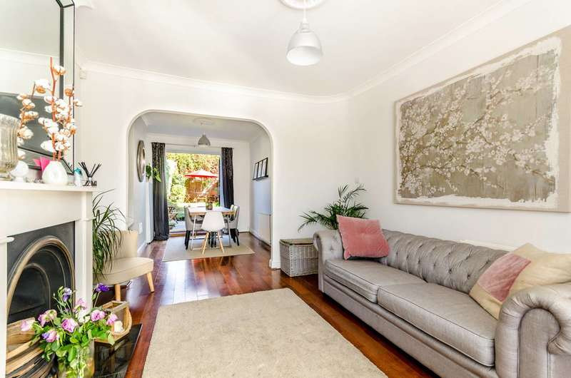 3 Bedrooms House for sale in Crown Dale, Upper Norwood, SE19