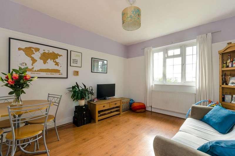 2 Bedrooms Flat for sale in Elmcourt Road, Tulse Hill, SE27