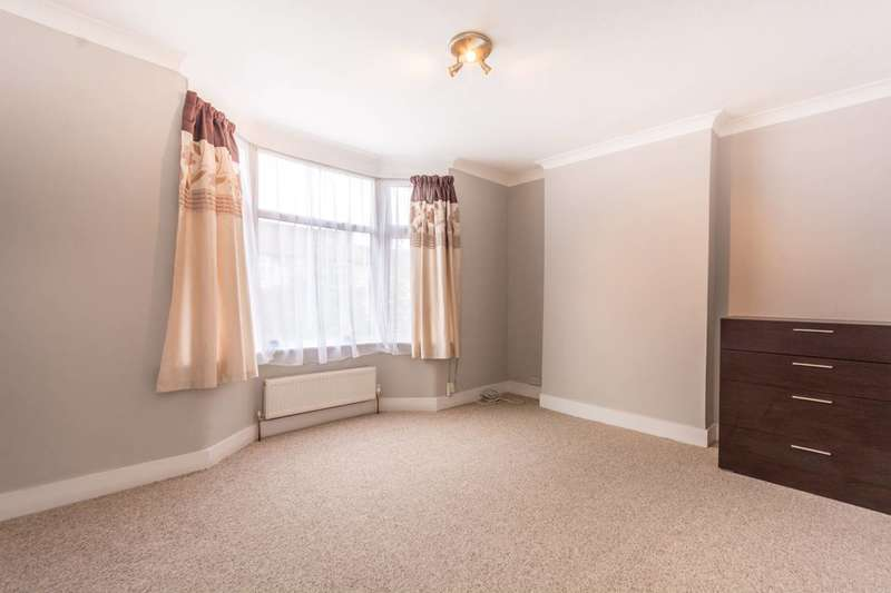 1 Bedroom Flat for sale in Hastings Road, Bounds Green, N11