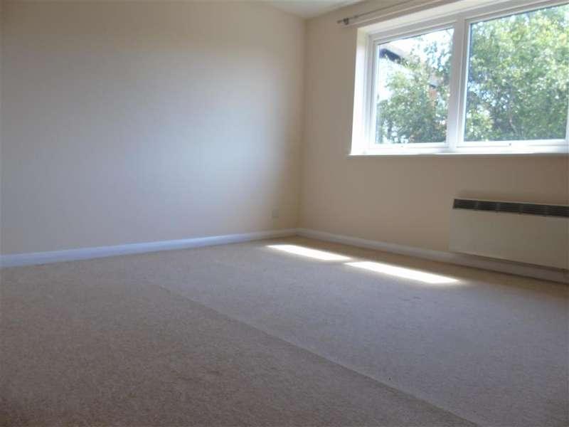 2 Bedrooms Apartment Flat for sale in Dial Close, Barnham, Bognor Regis, West Sussex