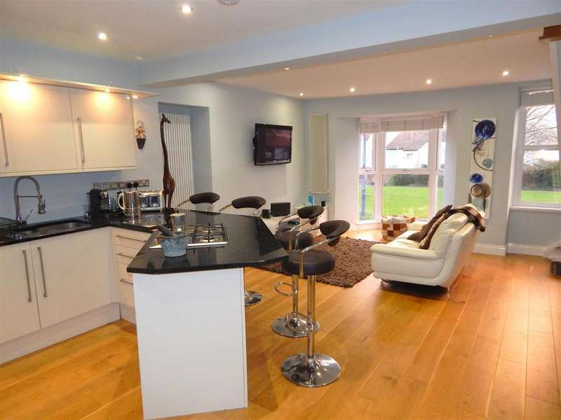 2 Bedrooms Maisonette Flat for sale in Mumbles Road, Mumbles