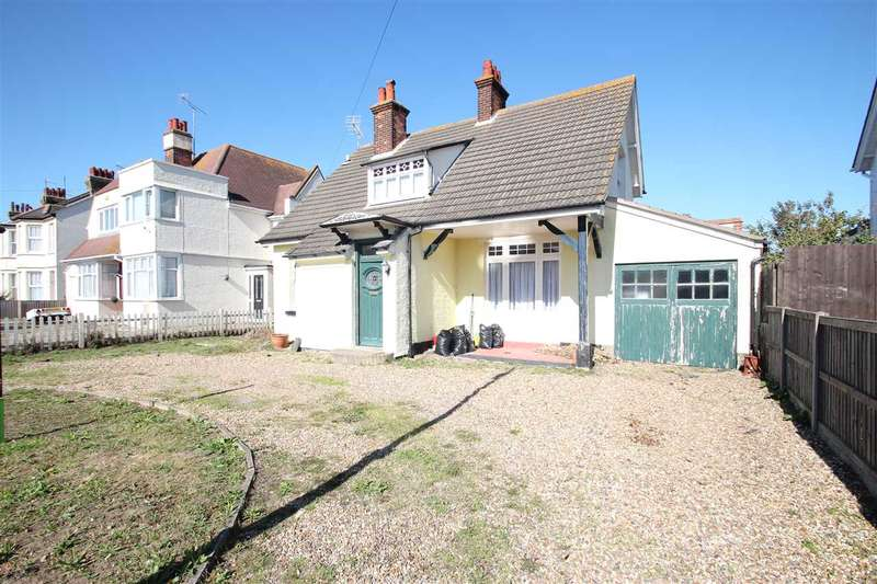 4 Bedrooms Detached House for sale in Walton Road, Clacton-On-Sea