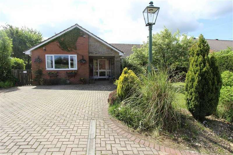 4 Bedrooms Detached Bungalow for sale in Ellerburn Drive, Bridlington, East Yorkshire, YO16