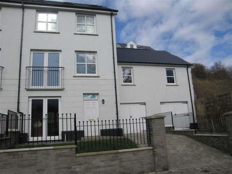 5 Bedrooms Town House for sale in Kensington Gardens, Haverfordwest, Pembrokeshire