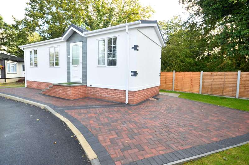 1 Bedroom Park Home Mobile Home for sale in CHESTERS CROFT, Cheadle Hulme
