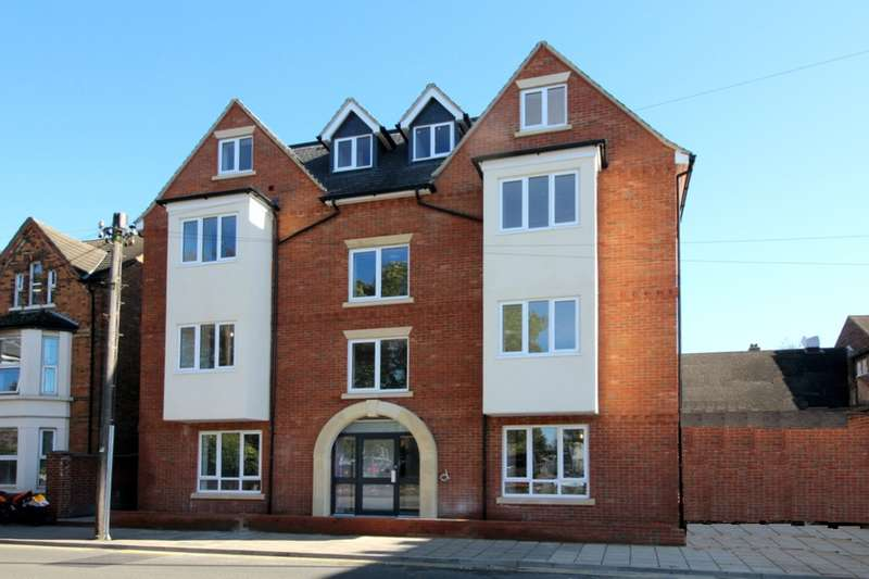 2 Bedrooms Apartment Flat for sale in 'Eden House' Flat 6, 1-3 Ashburnham Road, Bedford, MK40