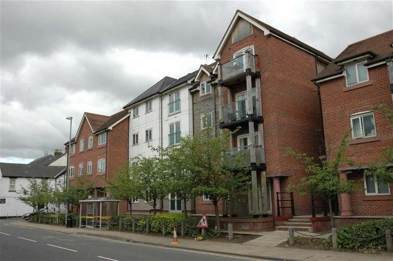 2 Bedrooms Apartment Flat for sale in The Wharf, New Crane Street, Chester