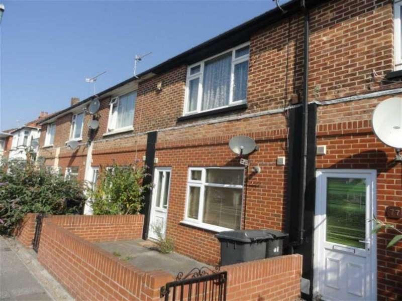 1 Bedroom Flat for sale in Columbia Road, Ensbury Park, Bournemouth, Dorset, BH10