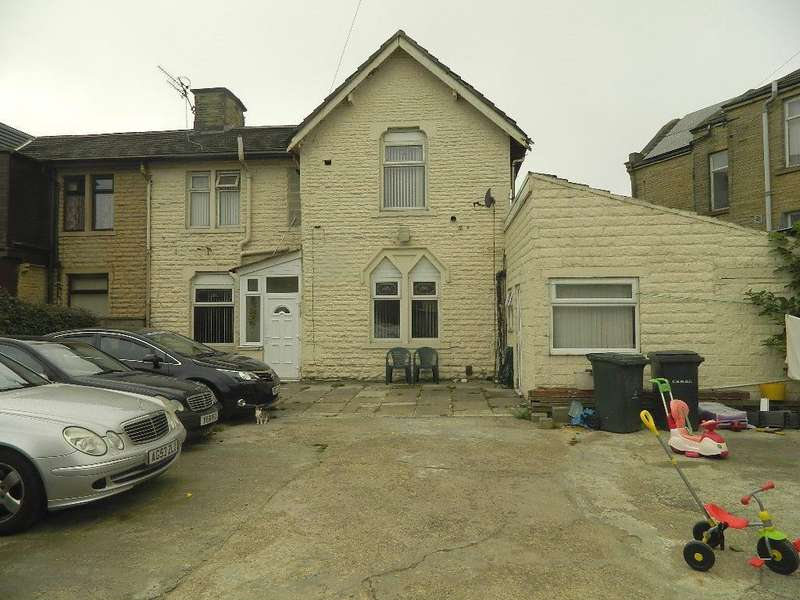 3 Bedrooms Semi Detached House for sale in Lower Rushton Road, Thornbury,Bradford, BD3 8PX