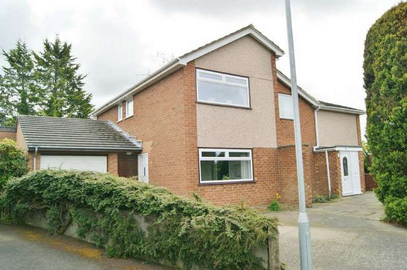 5 Bedrooms Detached House for sale in Dean Close, Wrexham