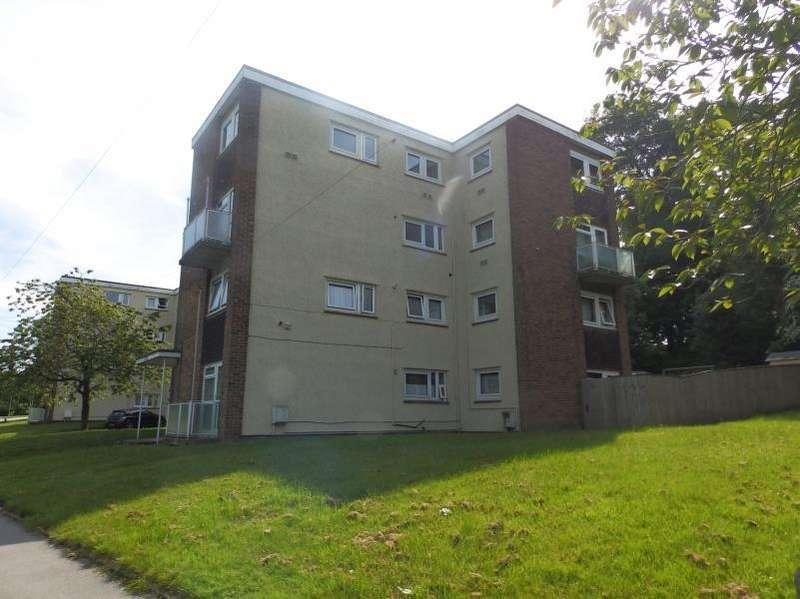 3 Bedrooms Duplex Flat for sale in QUEENSHILL AVENUE, LEEDS, LS17 6BP