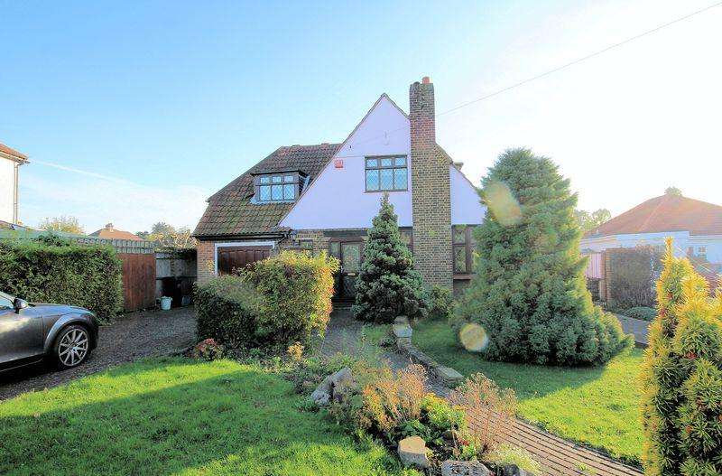 4 Bedrooms Detached House for sale in Woodmere Avenue, Shirley