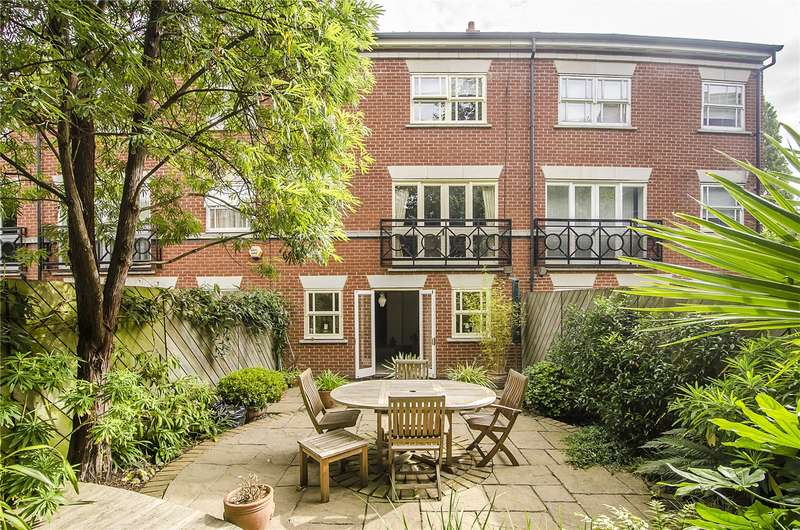 4 Bedrooms Terraced House for sale in Massingberd Way, London, SW17