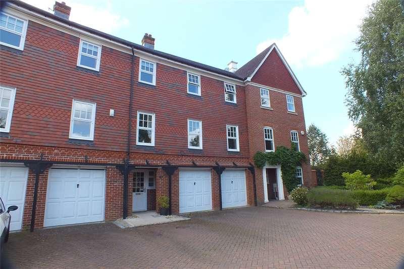 4 Bedrooms Terraced House for sale in Elvetham Crescent, Fleet, GU51