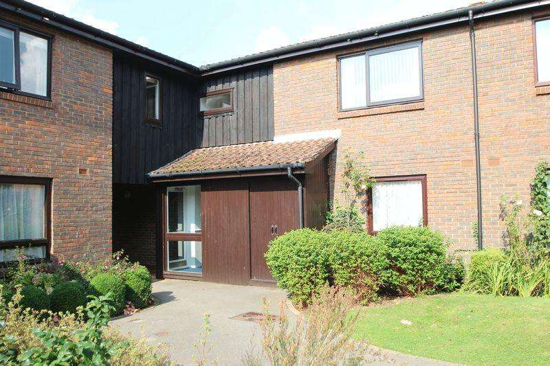 1 Bedroom Retirement Property for sale in Loxford Court, Elmbridge Village, Cranleigh