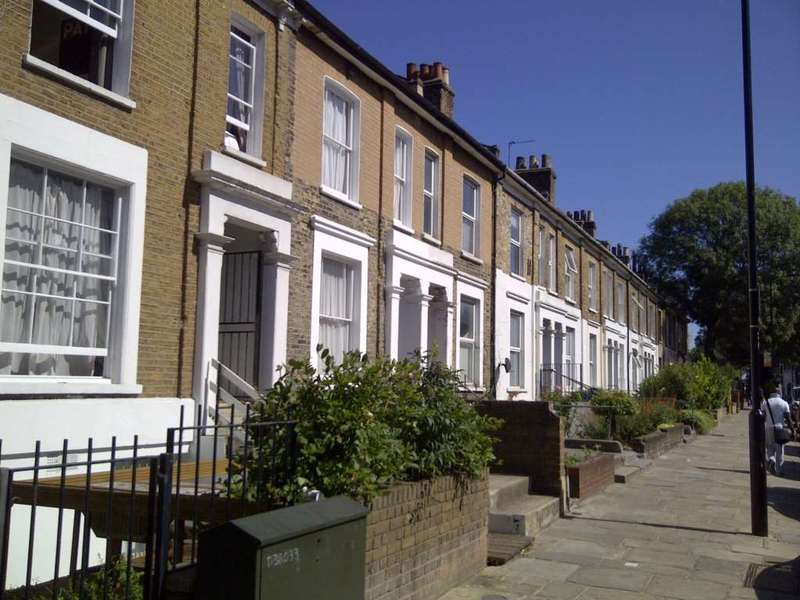 3 Bedrooms Maisonette Flat for sale in Ridley Road, Dalston