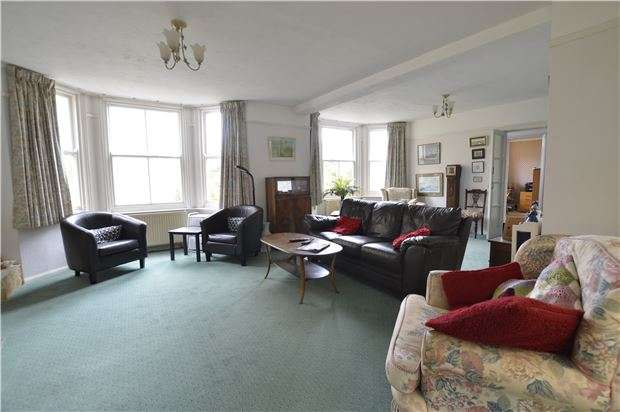 5 Bedrooms Detached House for sale in The Roundel, St Leonards-On-Sea, TN37 7HE