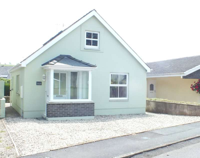 3 Bedrooms Detached Bungalow for sale in Pear Tree Cottage, Flemish Close, St. Florence, Tenby