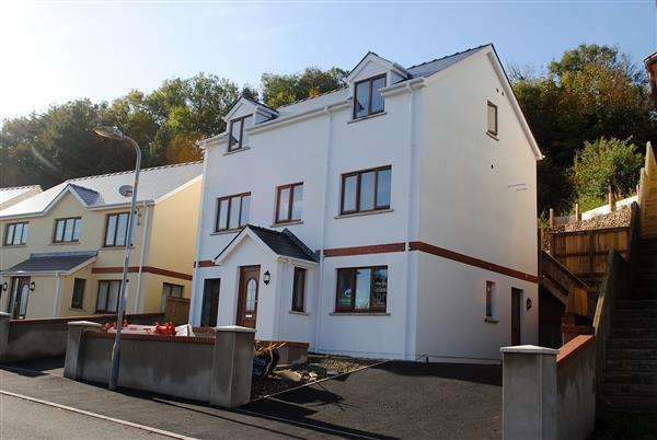 4 Bedrooms Detached House for sale in New Detached House, St. Patricks Hill, Llanreath, Pembroke Dock