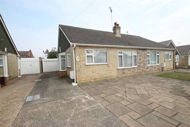 2 Bedrooms Bungalow for sale in Tyndale Drive, West Clacton