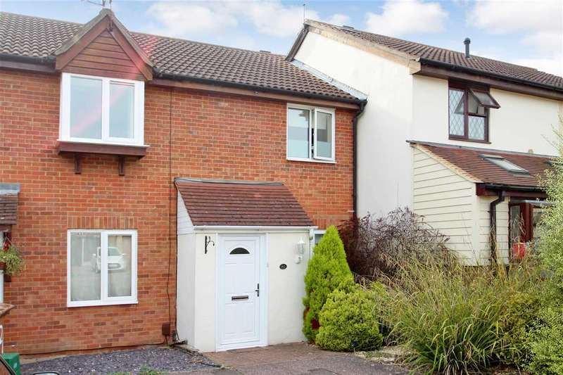 2 Bedrooms Terraced House for sale in Burgess Field, Chelmer Village, Chelmsford