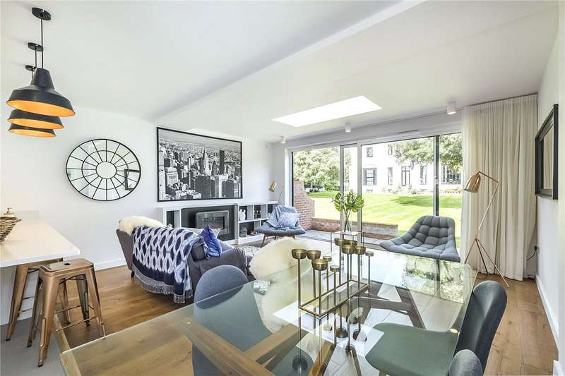 5 Bedrooms Terraced House for sale in 8 Hutton Mews, London, SW15