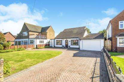 5 Bedrooms Bungalow for sale in Grays, Essex