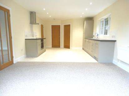 4 Bedrooms Detached House for sale in Halstead, Essex