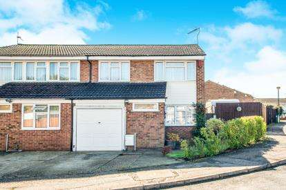 4 Bedrooms Semi Detached House for sale in Bronte Crescent, Hemel Hempstead, Hertfordshire, .