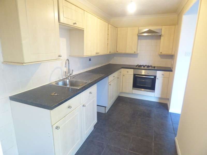 3 Bedrooms Semi Detached House for sale in Neville Road, Newton Abbot
