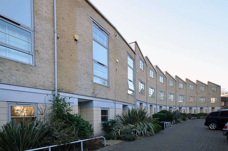 3 Bedrooms House for sale in Heaven Tree Close, Islington, N1