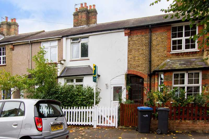 3 Bedrooms House for sale in Landseer Road, Enfield, EN1