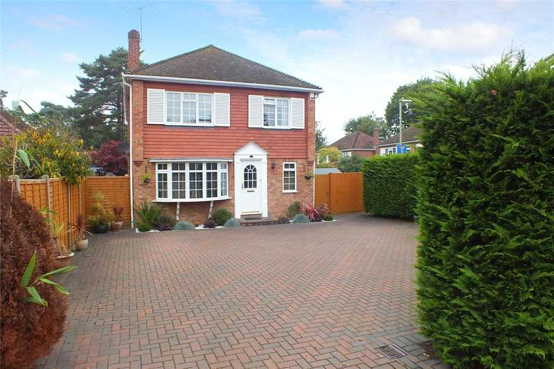4 Bedrooms Detached House for sale in Rufford Close, Fleet, GU52