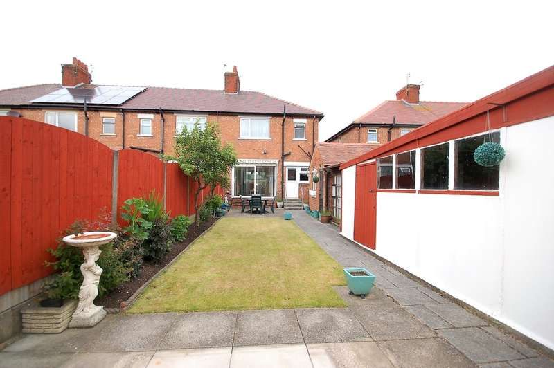 3 Bedrooms End Of Terrace House for sale in Watson Road, Blackpool