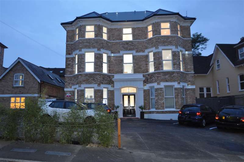 2 Bedrooms Apartment Flat for sale in Bournemouth