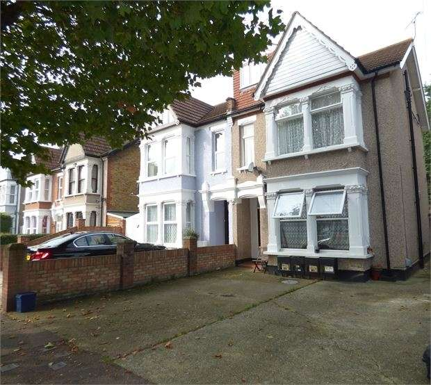 1 Bedroom Flat for sale in Argyll Road, Westcliff on sea, Westcliff on sea, SS0 7HL