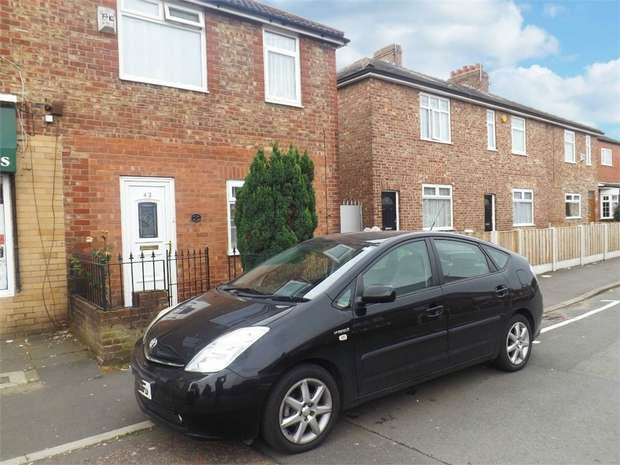3 Bedrooms Semi Detached House for sale in Lords Street, Cadishead, Manchester