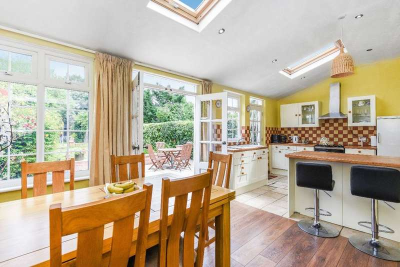 4 Bedrooms Semi Detached House for sale in Kent House Road, Beckenham, BR3