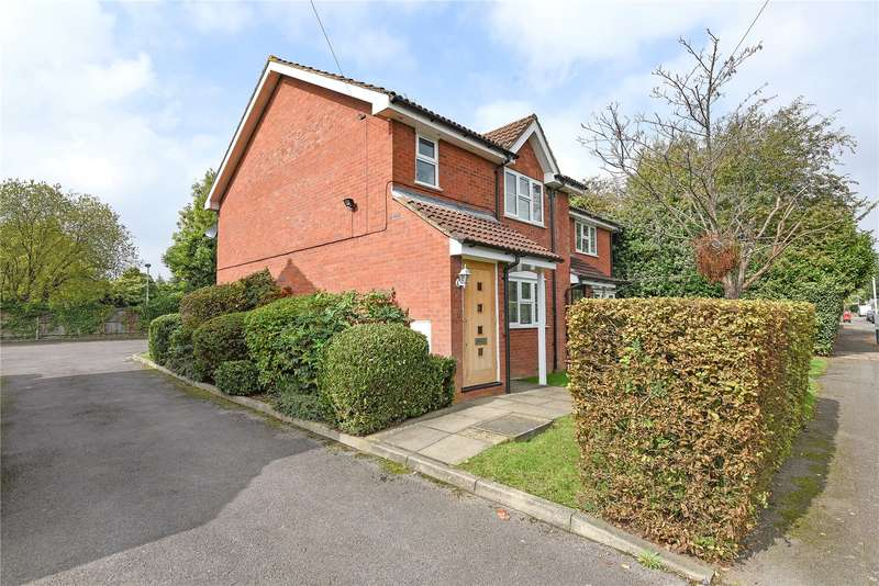 1 Bedroom Maisonette Flat for sale in Oak Grove, Ruislip, Middlesex, HA4