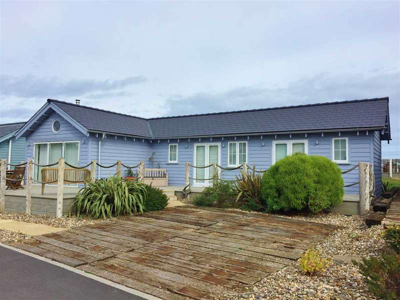 2 Bedrooms Bungalow for sale in NEW - Blue Anchor Road, The Bay, Filey