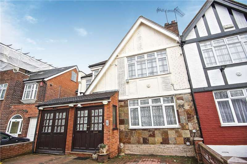 6 Bedrooms Semi Detached House for sale in Lindsay Drive, Harrow, Kenton, Middlesex, HA3 0TA