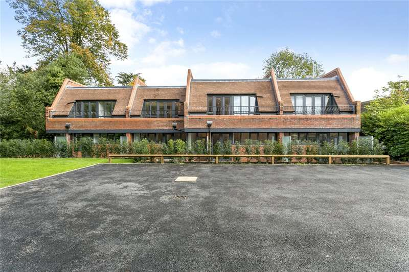 1 Bedroom Flat for sale in Liston House, Cromwell Gardens, Marlow, Buckinghamshire, SL7