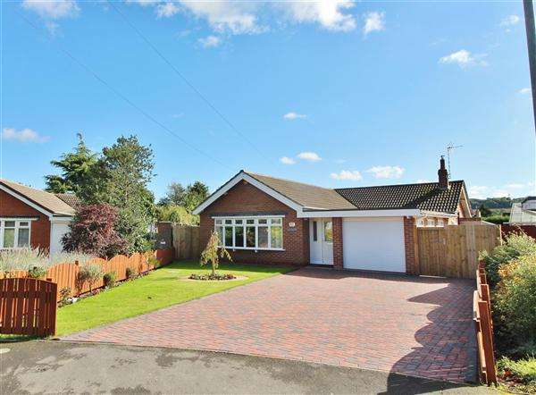 3 Bedrooms Detached Bungalow for sale in The Leas, Barkston, Grantham