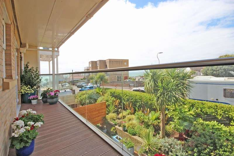 2 Bedrooms Apartment Flat for sale in Warren Edge Road, Southbourne, Bournemouth