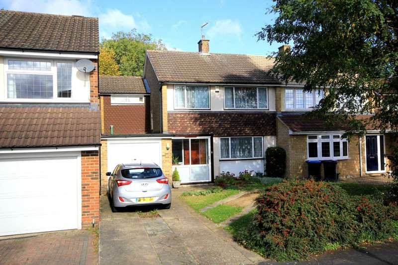 4 Bedrooms Semi Detached House for sale in SOUGHT AFTER LEVERSTOCK GREEN LOCATION, HP3 NO UPWARD CHAIN
