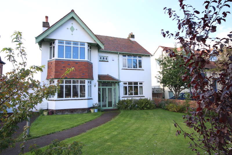 4 Bedrooms Detached House for sale in Alexandra Road, Southport