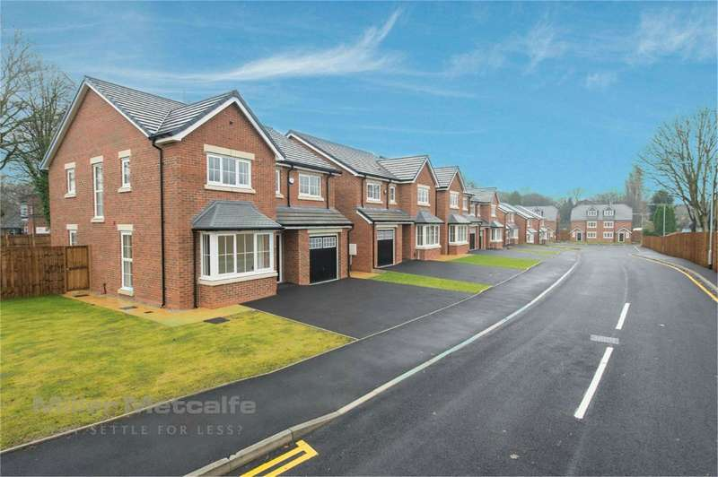 4 Bedrooms Semi Detached House for sale in Green Lane/Manchester Road, Great Lever, Bolton, BL3