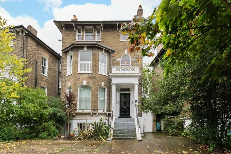 3 Bedrooms Flat for sale in Charlton Road Blackheath SE3